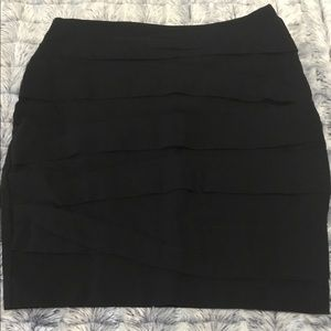 Pleated Stretch Pencil Skirt